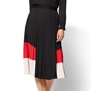 New York and company pleated skirt